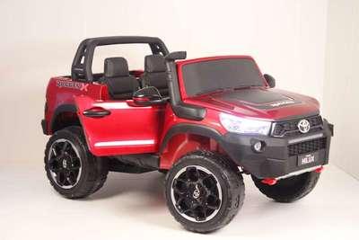 TOYOTA HILUX DK-HL850. Детский двухместный автомобиль на резиновых колесах.