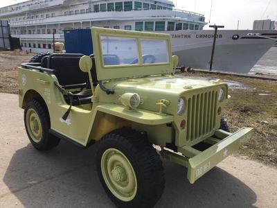 Jeep Willys YKE 4137. Детский трехместный автомобиль на резиновых колесах.