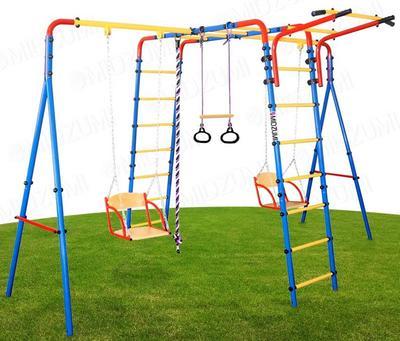 Midzumi Chikara. Спортивно-игровой детский комплекс с двумя качелями.